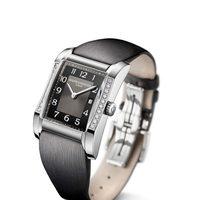Reloj con correa y esfera negra de la colección Hampton de la firma Baume & Mercier