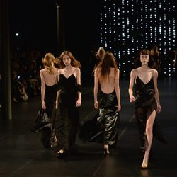 Colección primavera/verano 2016 Yves Saint Laurent Paris Fashion Week