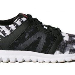 Campaña del modelo de zapatilla Geométrico de Bershka y Reebok