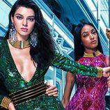Dos modelos posan para la campaña de Balmain para H&M