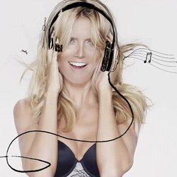 Heidi Klum imagen de la campaña de ropa interior de Macy's