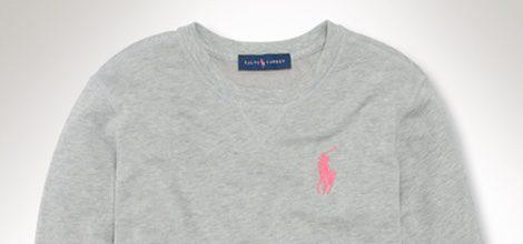 Sudadera gris de la colección 'Pink Pony' de Ralph Lauren contra el cáncer de mama