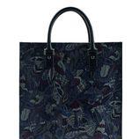 Bolso con motivos de hojas de la colección otoño 2015 de Salvatore Ferragamo