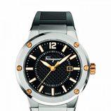 Reloj plateado y negro de la colección otoño 2015 de Salvatore Ferragamo