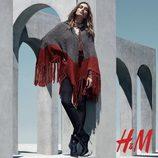 Poncho burdeos y gris de la colección otoño/invierno 2015/2016 de H&M