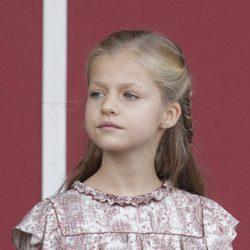 La princesa Leonor con vestido rosa estampado