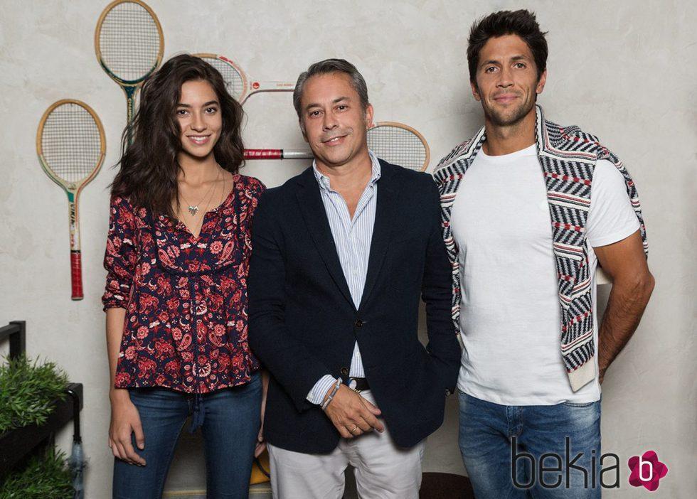 Rocío Crusset con Fernando Verdasco y Luis González director general de Springfield 2015
