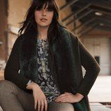 Abrigo marrón y pantalones de cuadros de la colección 'Violeta by Mango' para este invierno 2015