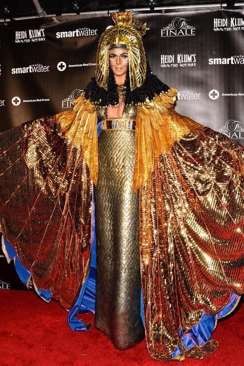 Heidi Klum disfrazada de Cleopatra en su fiesta de Halloween 2012