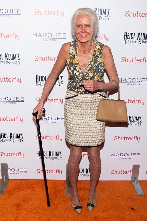 Heidi Klum disfrazada de anciana en su fiesta de Halloween 2013