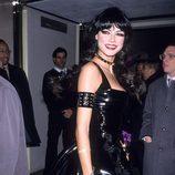Heidi Klum disfrazada de muñeca sado en su fiesta de Halloween 2000