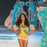 Shanina Shaik en el Victoria's Secret Fashion Show 2012
