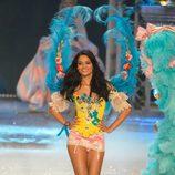 Shanina Shaik en el Victoria's Secret Fashion Show 2012