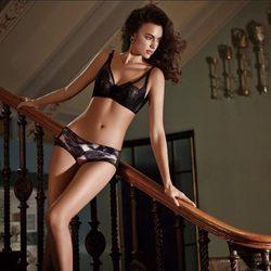 Irina Shayk imagen de nuevo de La Clover posa con ropa y lencería de La Clover 2015