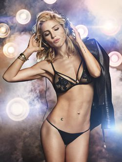 Elsa Pataky en el videoclip de Limited Edition 2015 de Women'secret