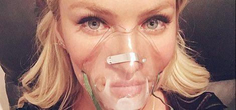 Candice Swanepoel con máscara de oxígeno mala antes del desfile de Victoria's Secret 2015