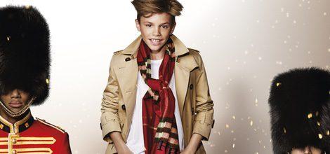 Romeo Beckham en la campaña de Navidad 2015 de Burberry
