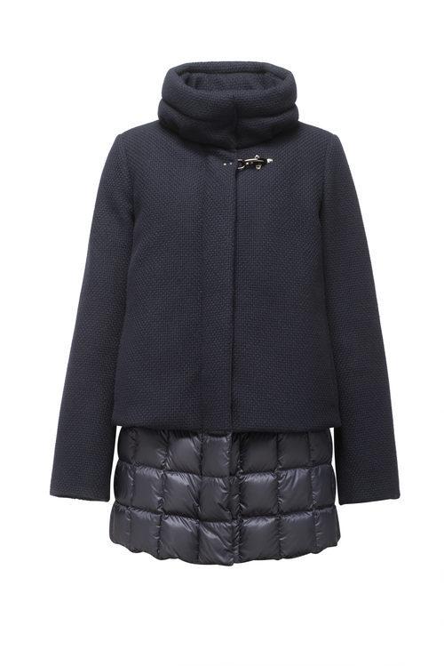 Abrigo azul marino acolchado de la colección para el otoño/invierno 2015/2016