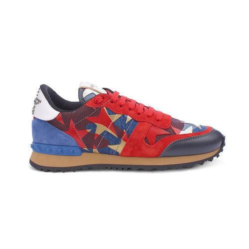 Sneaker Camustar Printed roja y azul de la colección Goop x Valentino