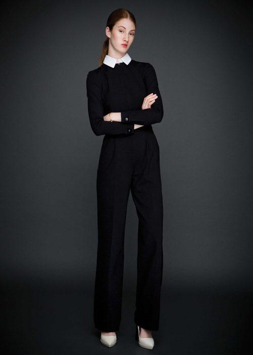 Pantalones fluidos negros y jersey de punto de la colección otoño/invierno 2015/2016 de Dolores Promesas
