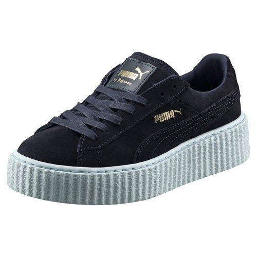 Zapatilla azul y negra de la segunda entrega de la colección 'Puma by Rihanna'