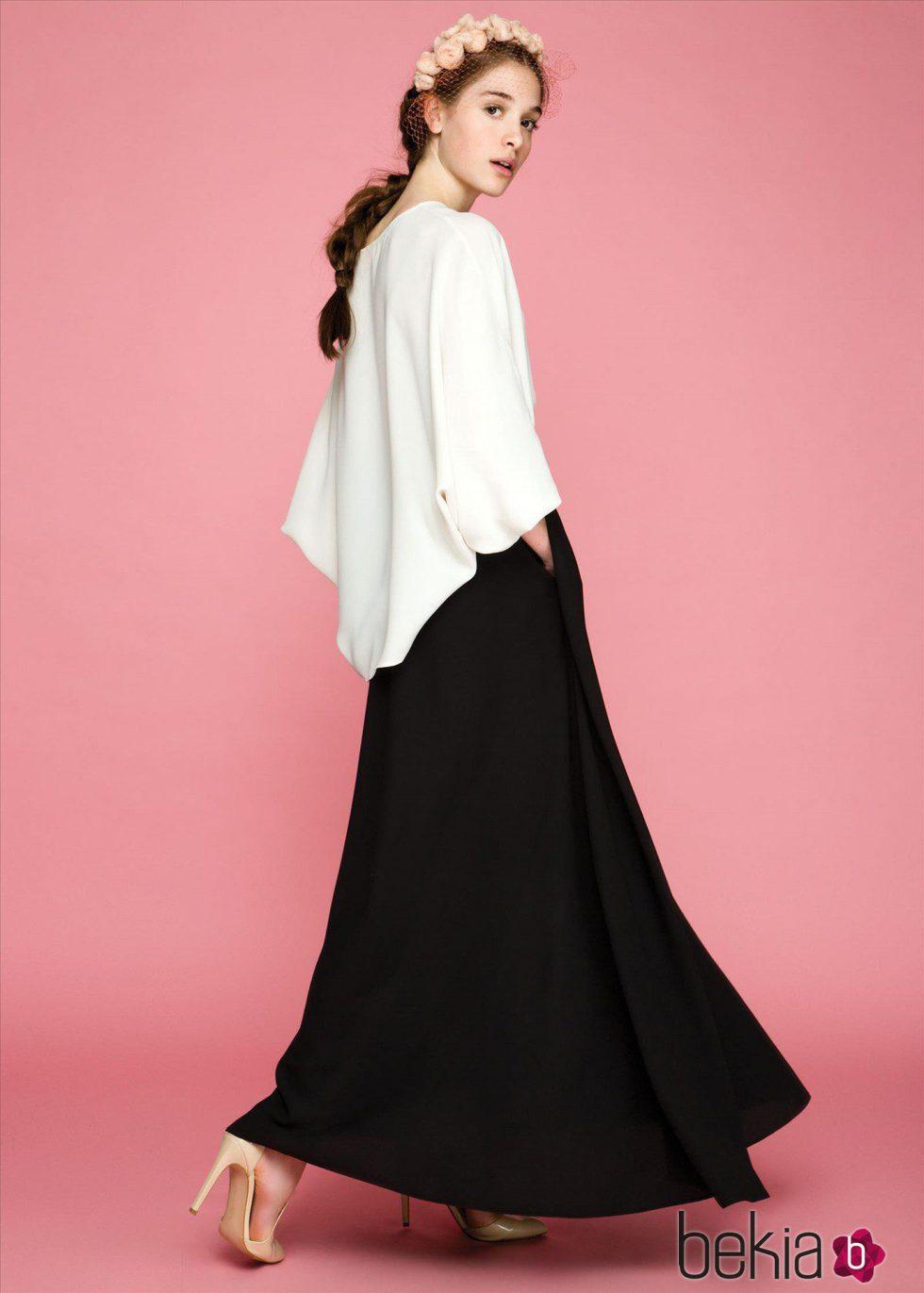 76cb7c553c9 Anterior Falda larga negra y camisa de la colección otoño invierno 2015 2016  de Dolores