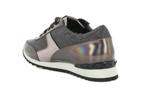 Zapatilla deportiva en tonos metalizados de la colección otono/invierno 2015/2016 de Alma en Pena