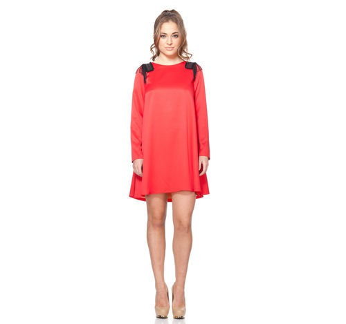 Minivestido rojo con hombreras negras de la colección otoño/invierno 2015/2016 Dorado vs. Plata de RocknRom