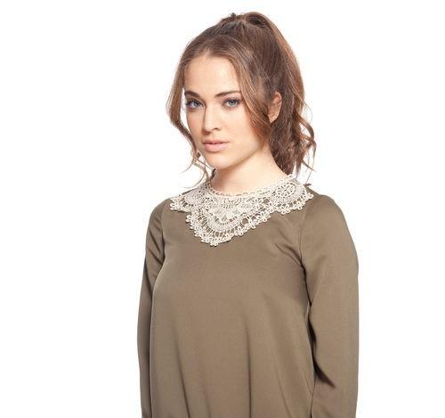 Camisa marrón con cuello de puntillas de la colección otoño/invierno 2015/2016 Dorado vs. Plata de RocknRom