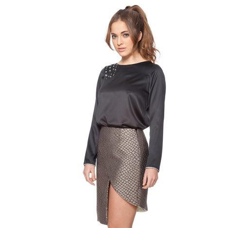 Falda plateada asimétrica y camisa negra con detalle de estrellas de la colección otoño/invierno 2015/2016 Dorado vs. Plata de RocknRoma