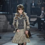Traje de falda de vuelo de la colección 'Métiers d'Art Paris à Rome 2015/2016' de Chanel