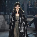 Gabardina de cuero de la colección 'Métiers d'Art Paris à Rome 2015/2016' de Chanel