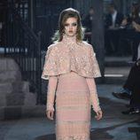 Look total rosa cuarzo de la colección 'Métiers d'Art Paris à Rome 2015/2016' de Chanel