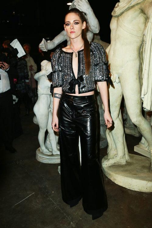 Kristen Stewart en el desfile de la colección 'Métiers d'Art Paris à Rome 2015/2016' de Chanel