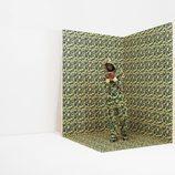 Mario Balotelli con cojunto estampado camuflaje verde para PUMA X BAPE