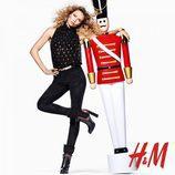 Natasha Poly con la colección de Navidad 2015 de H&M