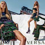 Raquel Zemmermann, Natasha Poly y Gigi Hadid con conjuntos estampados para Versace primavera/verano 2016