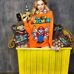 Colección cápsula 'Super Moschino' con personajes Super Mario Bros AW 15