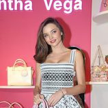 Miranda Kerr posando en la inauguración de Samantha Vega en Hong Kong (China)