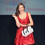 Miranda Kerr con vestido rojo en la presentación de Samantha Thavasa en Tokyo (Japón)