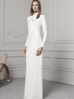 Vestido largo en blanco con maxi lazo en el pecho de Ralph Lauren para la colección Pre-Fall 2016