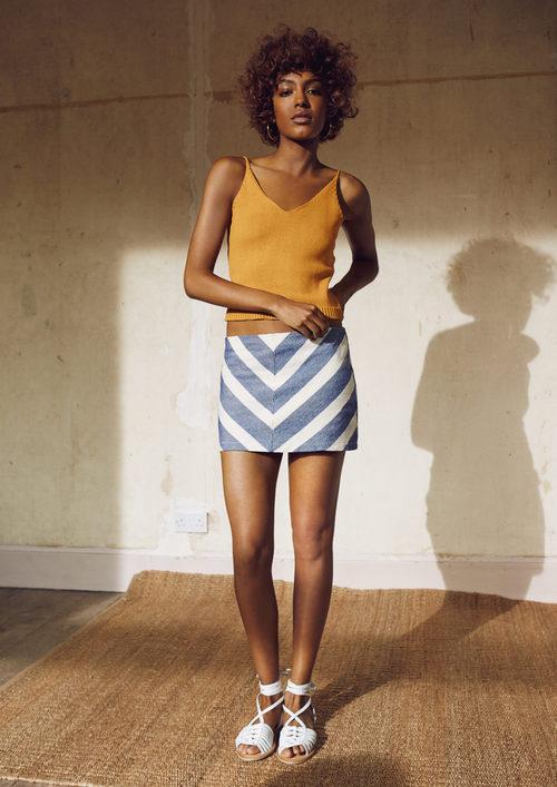 Cropped top y falda con estampado geométricode Primark para la temporada primavera/verano 2016