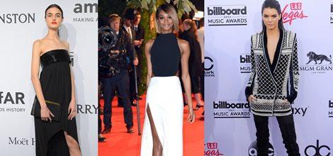 Blanca Padilla con vestido largo negro y abertura lateral