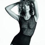 Modelo con conjunto 'filigra lace' de encaje en negro de Wolford para 'Summer Lingerie' 2016