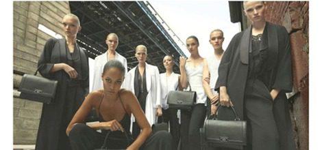 Modelos en total black para la nueva campaña de Givenchy