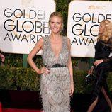 Heidi Klum con vestido de plumas plateadas de Marchesa