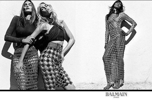 Faldas de rejilla y tops cortos negros ajustados de Balmain para la primavera/verano 2016