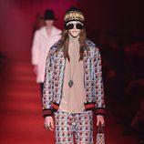 Conjunto estilo sport con chaqueta y pantalones de estampado geométrico para Gucci