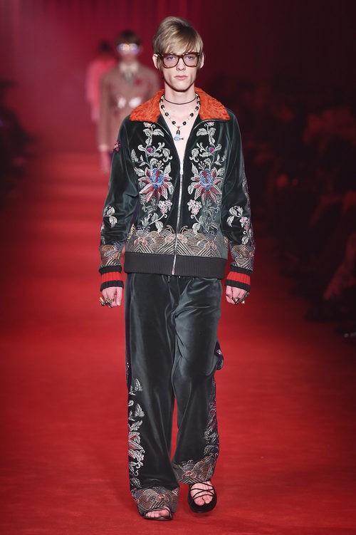 Chandal deportivo de terciopelo con estampado floral para Gucci