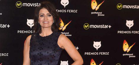 Silvia Abril con un vestido azul de vuelo en los Premios Feroz 2016